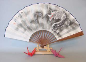 龍や虎の装飾用扇子もありますよ!